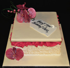 Gift Box with Sugar craft Flowers.JPG