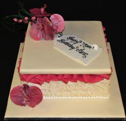 Gift Box with Sugar craft Flowers.JPG