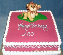 Friendly Lion on Sq.JPG