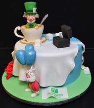 ALICE IN WONDERLAND THEMED ROUND CAKE.JP