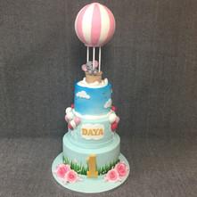 cute childs hot air baloon cake.JPG