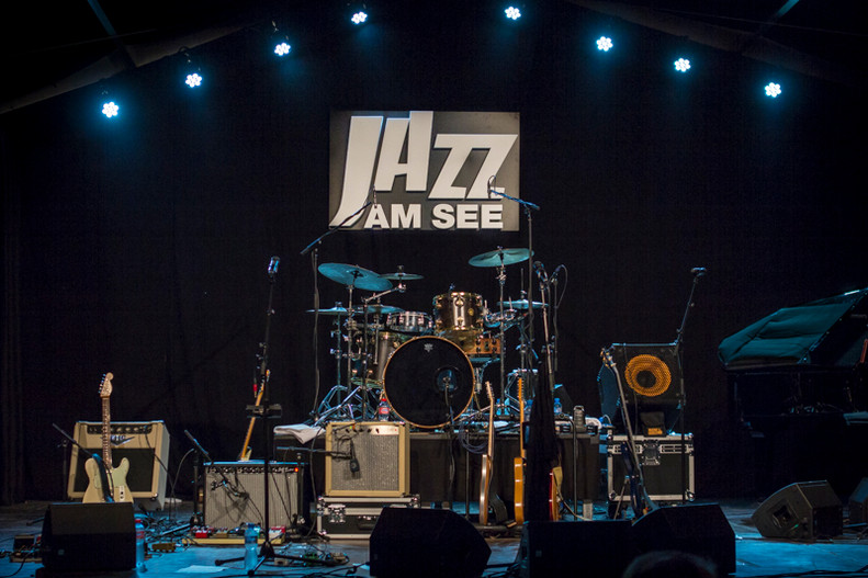jazz18stage.jpg