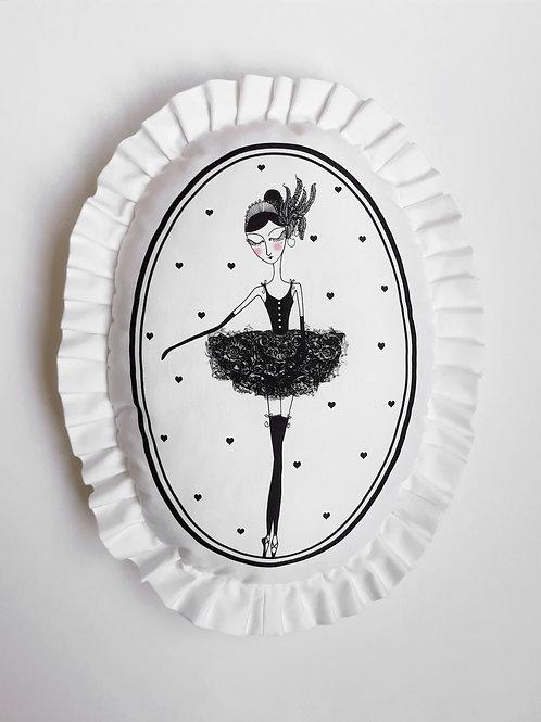 Poduszka dekoracyjna La Lune z falbaną - Baletnica Czarny Łabędź
