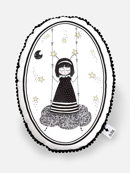 Poduszka dekoracyjna La Lune z pomponikami - Mała Marzycielka
