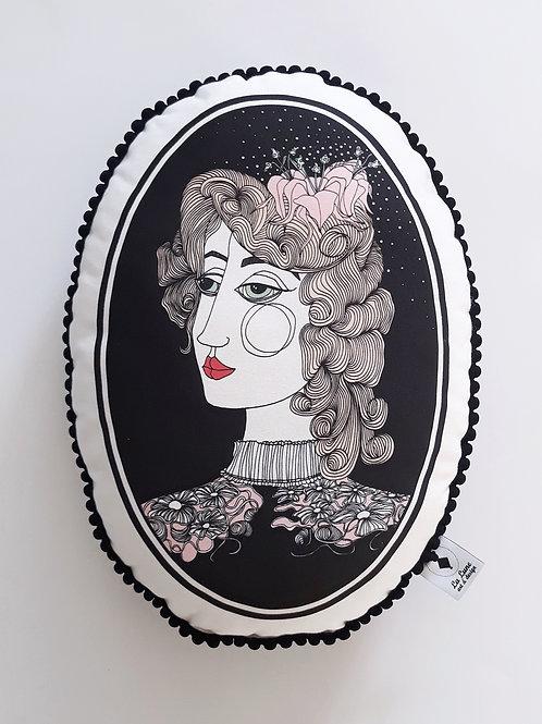 Poduszka dekoracyjna La Lune z pomponikami - Dama z lilią