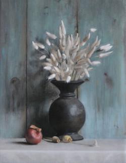 Stilleben-maleri-hvidt-graes-i-vase