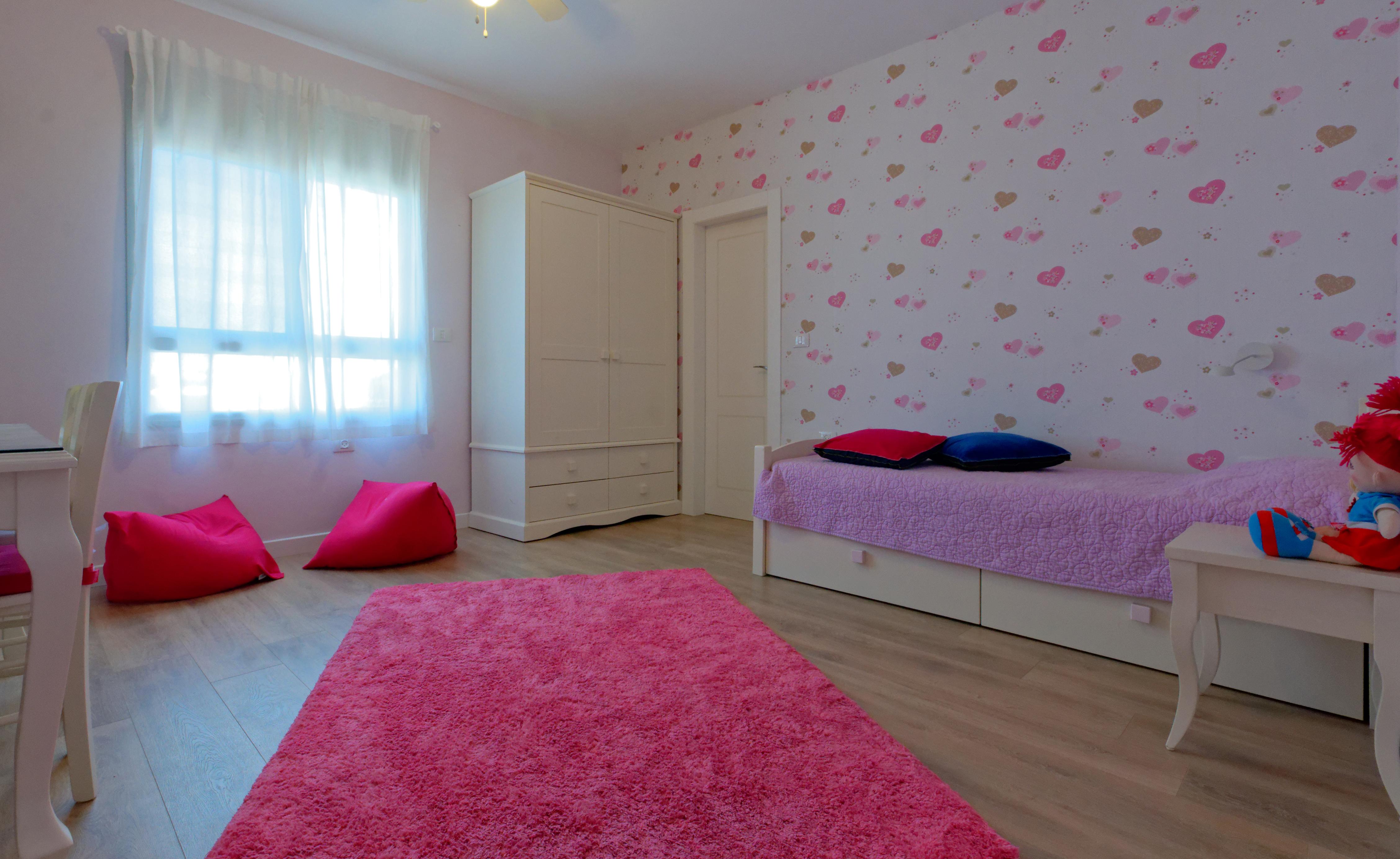 חדר בנות 1