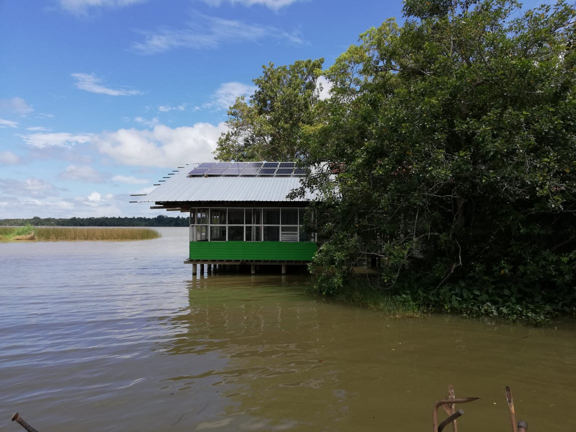 Bild Haus am Wasser.jpg