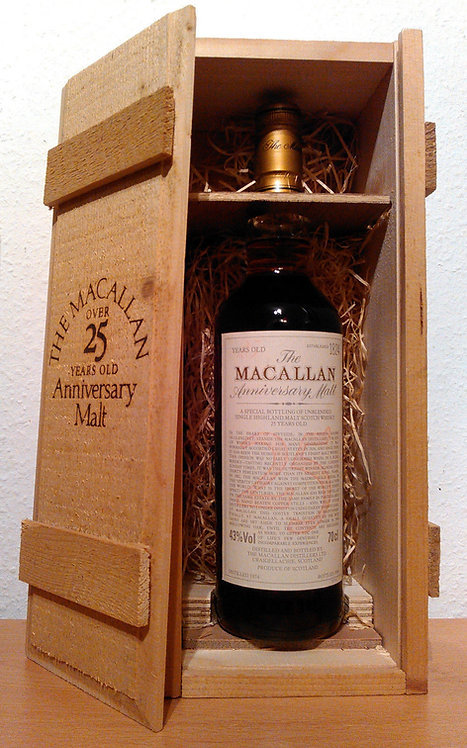 Macallan 25 Years The Anniversary Malt 1974 Sherry Oak + Wooden Box