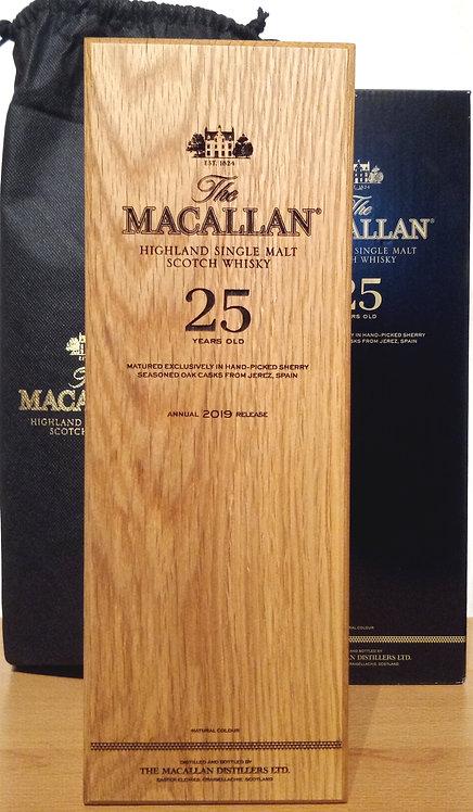 Macallan 25 Years Sherry Oak Cask Release 2019 + Wooden Box