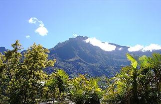 mountain-1287604_1280.jpg