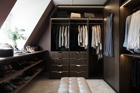 Isabella löwengrip walk in closet.jpeg