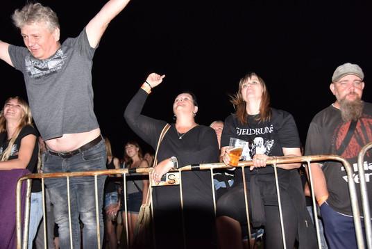 AC-DC-revival-AC-DS-fans.jpg