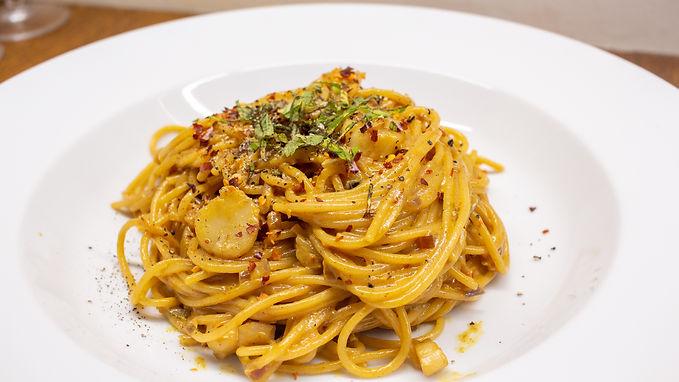Chilli and Saffron Spagetti with Scallops and Jurassic Salt