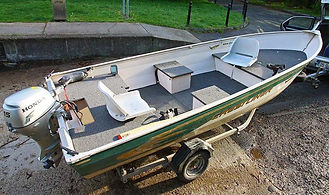 Aluminium crestliner boat for hire