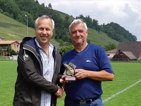 Schiedsrichter Jürg Kuratli zum Ehrenmitglied gewählt