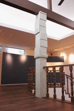 大谷石柱 (2)