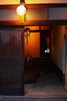 室内入口の扉