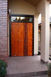 本宅玄関扉