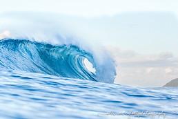 wave barrel tube surf martinique
