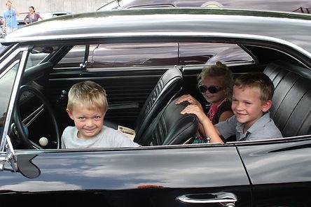 kids in car.jpg