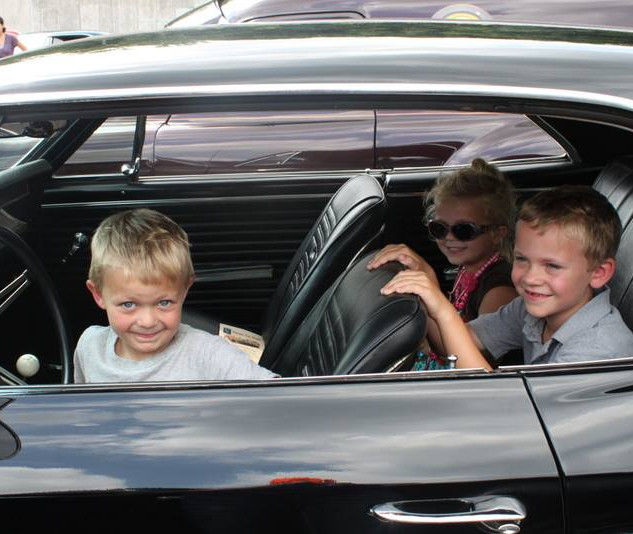 kids in car.jpg