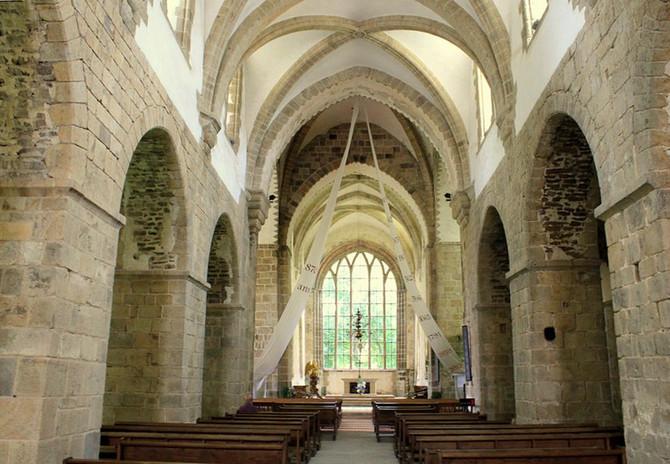 Petites et grandes églises de France