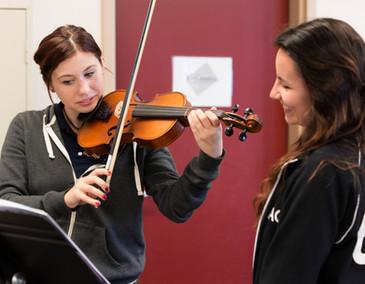 Praticando violino