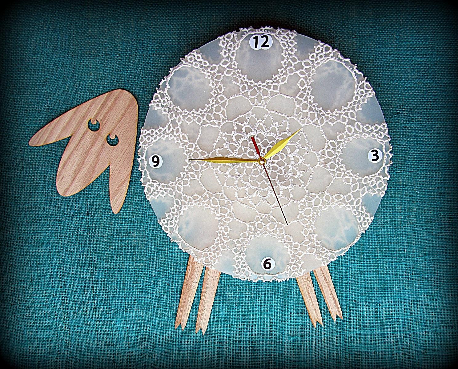 Wall clock Sheep