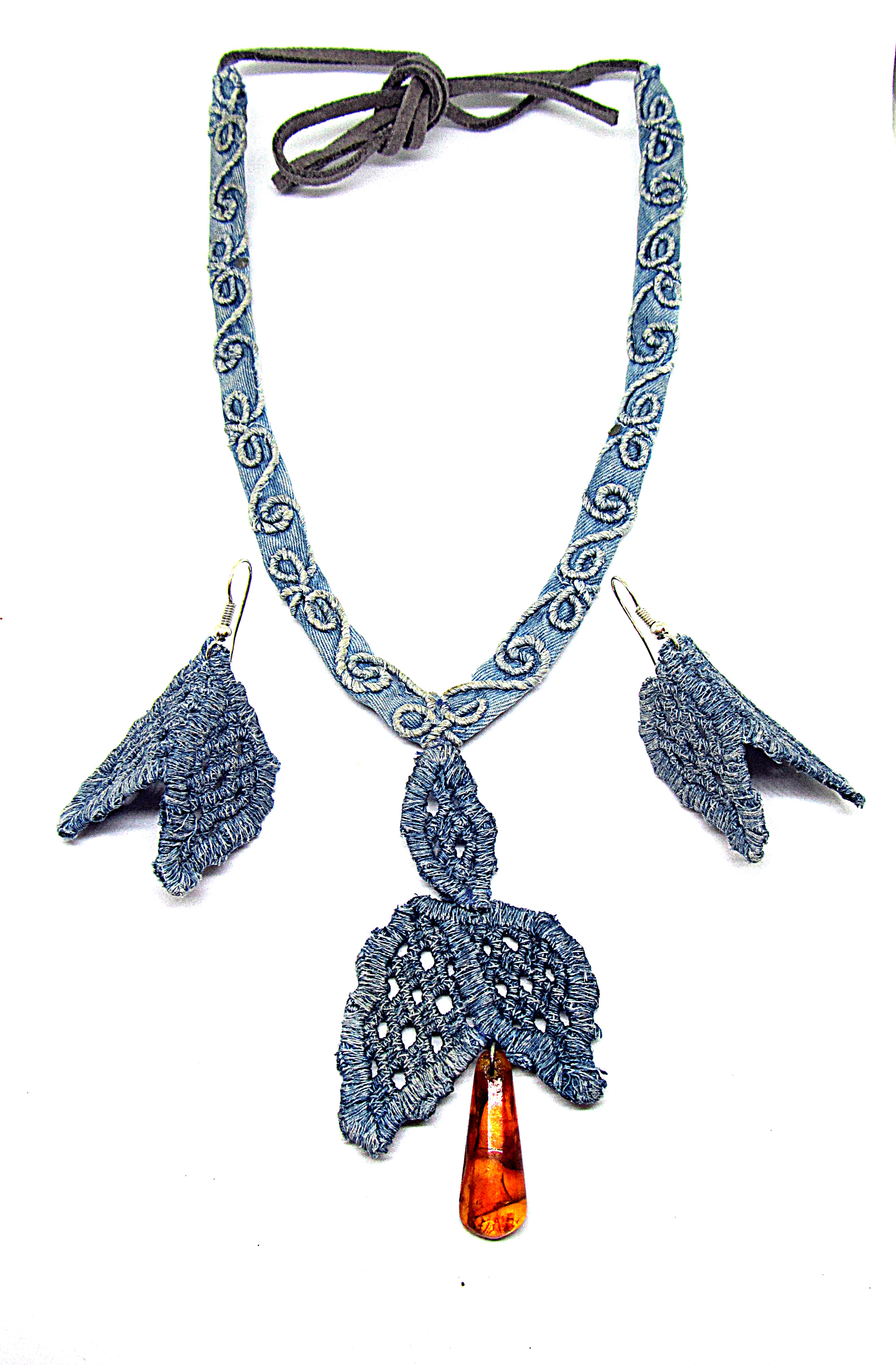 Set:Necklace and earrings lace denim