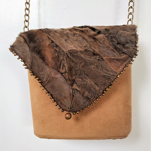 Exclusive beige handmade suede box-bag with fur and a long handle.