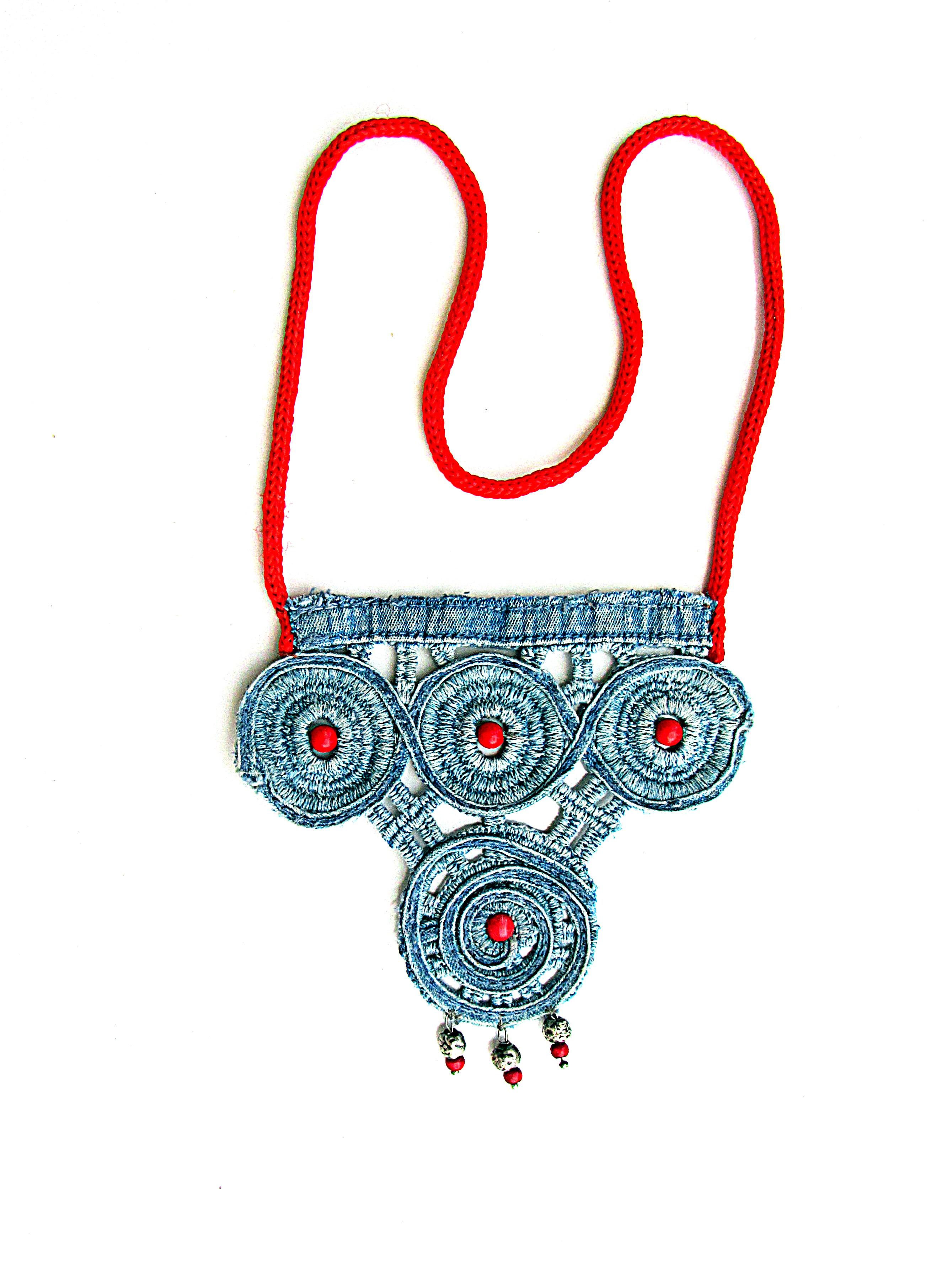 Necklace lace denim