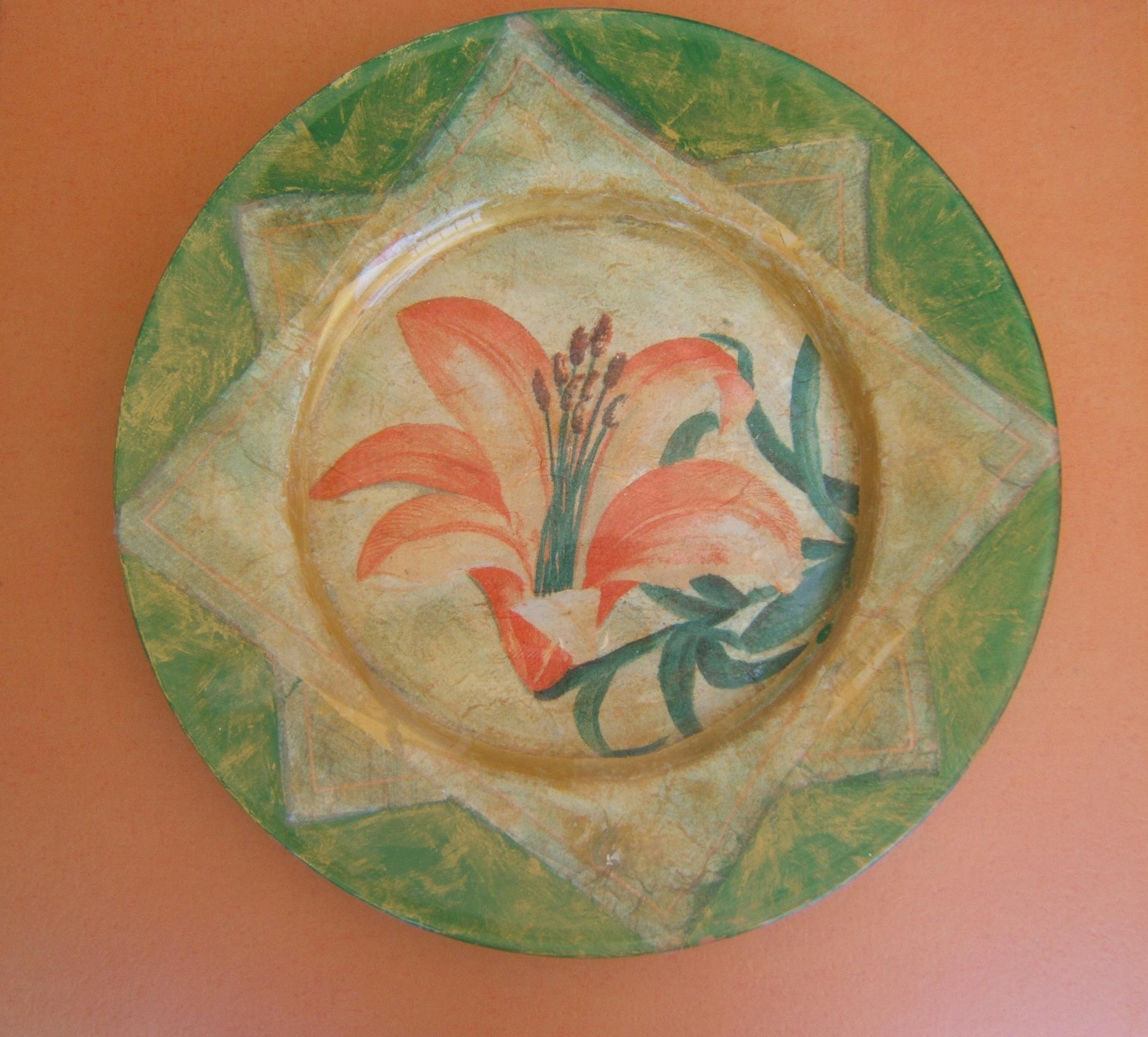 Plate. Decoupage