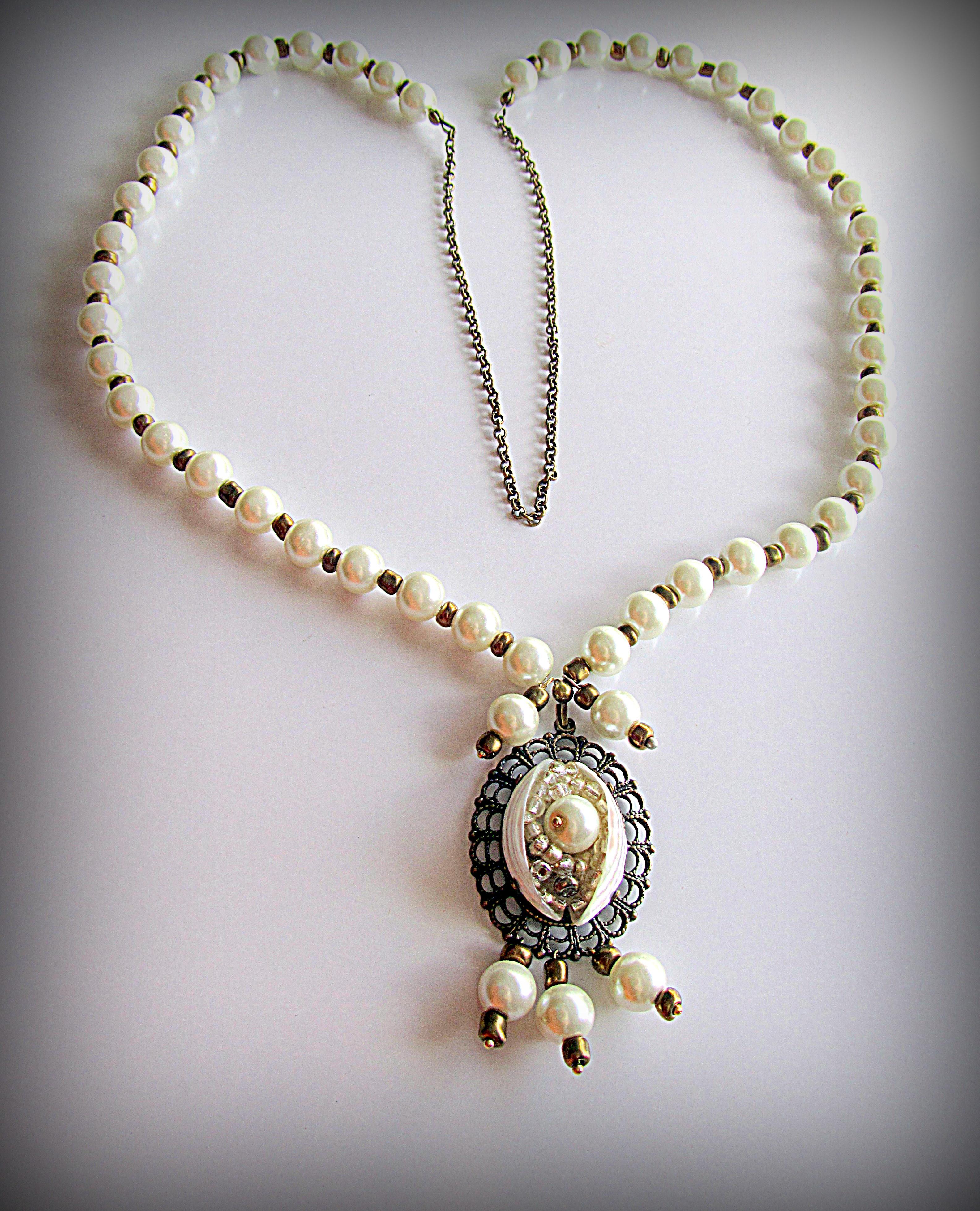 Жемчужное ожерелье с подвеской