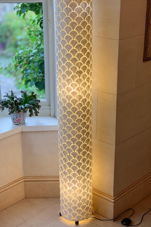 LS54 Tall Shell Ivory Scallop Lamp 150cm