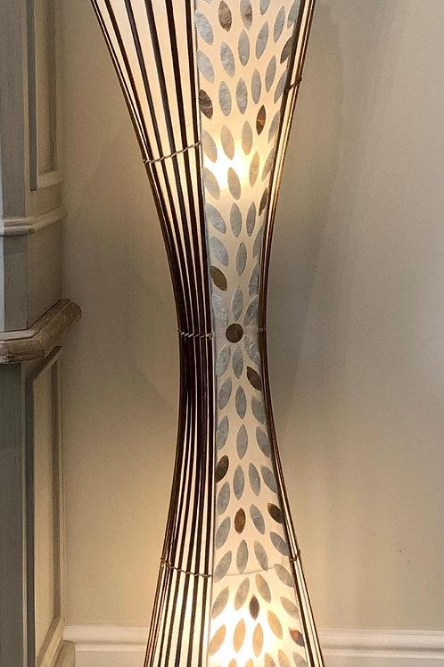 LS49 Shell Trumpet Lamp Ivory/Gold 150cm