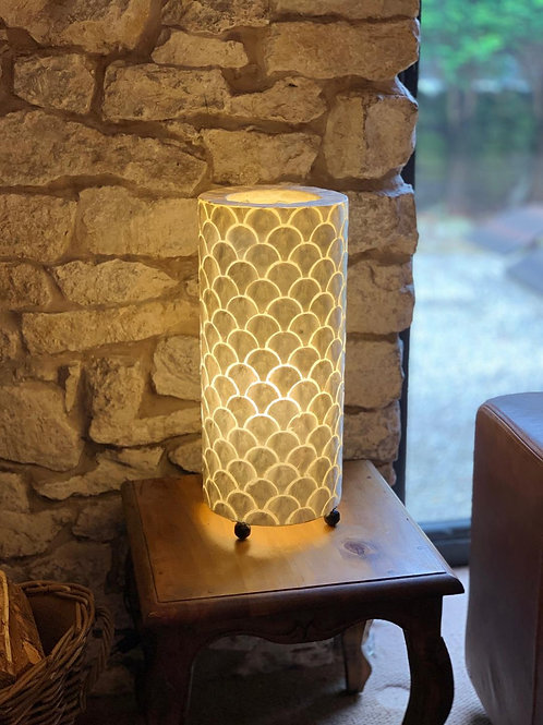 LS56 Shell Ivory Scallop Table Lamp 50cm