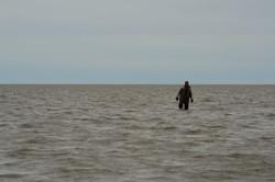А до берега 2! км...