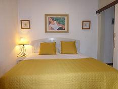 lit king size sabina villa.jpg
