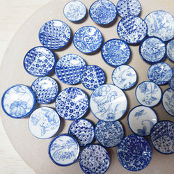 Knobs with decals