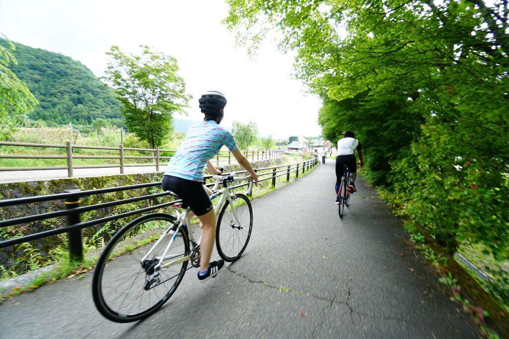 ランチ付!ガイドサイクリング 山中湖・忍野八海の富士の田舎道を自転車で行くツアー