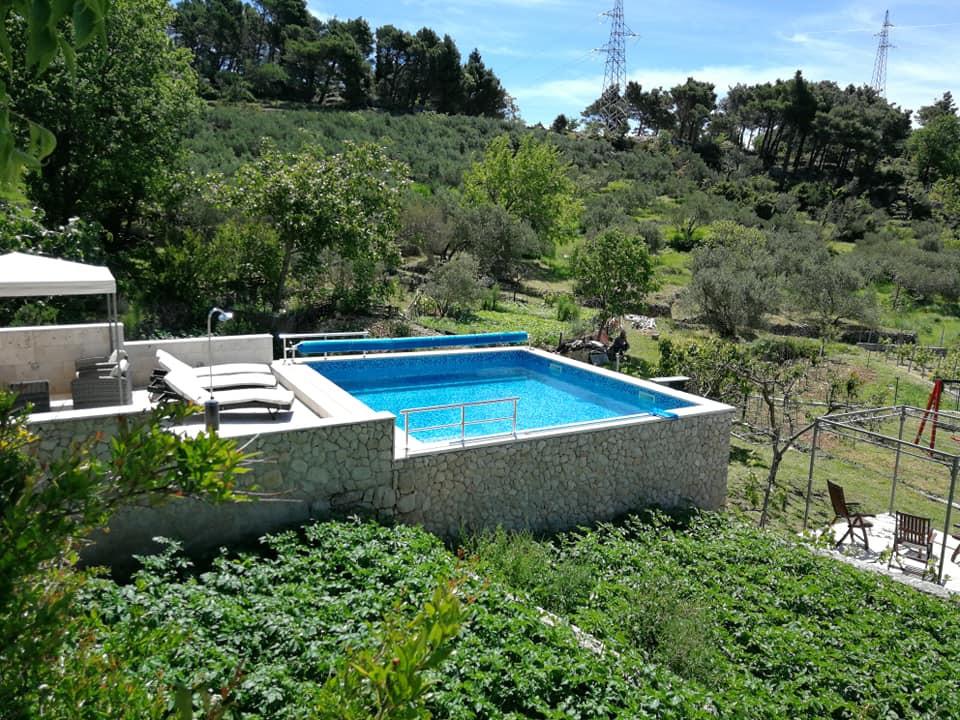 Swimming pool Makarska Riviera