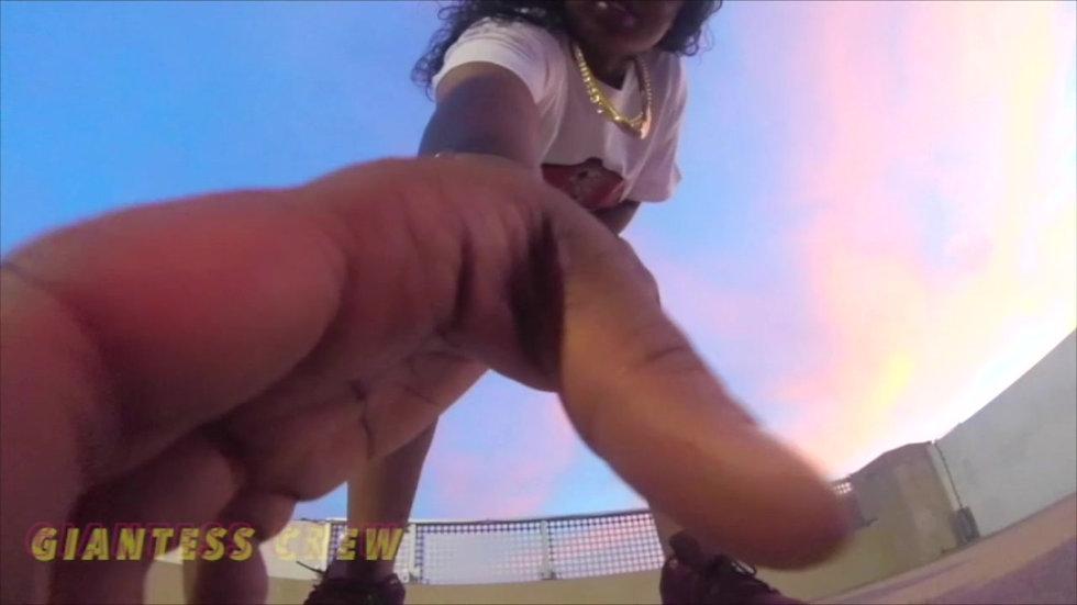 Giantess Crew- RoofTop Giant