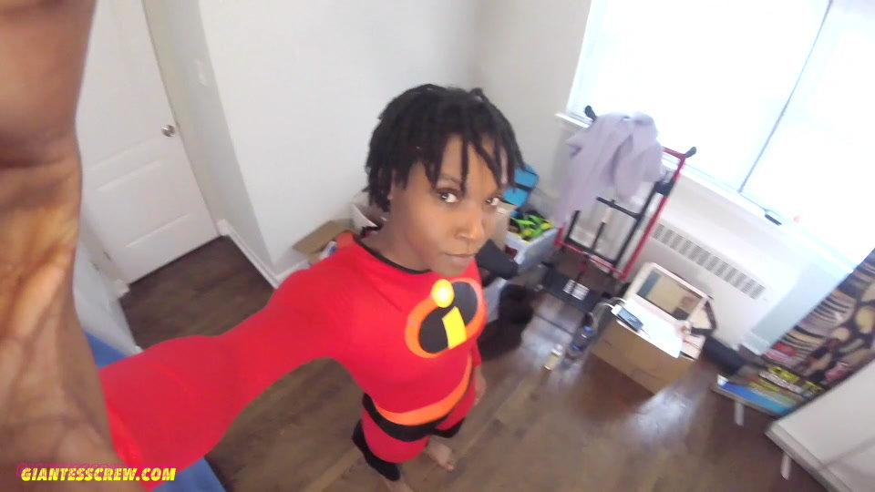 Giantess Crew - Shayla -Superhero hangout