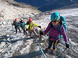 Ascensión al pico Aneto con guía de montañen en verano en invierno (3)