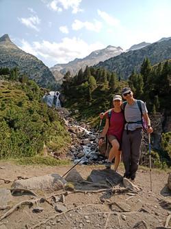 Ascensión al pico Aneto con guía de montañen en verano e invierno