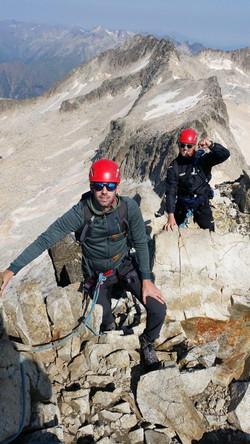 Subir al Aneto con guía de Montaña en Verano e Invierno