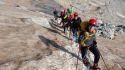 Ascensión al pico Aneto con guía de montañen en verano en invierno (2)