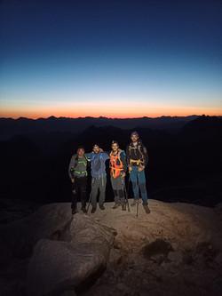 Ascensión al pico Aneto con guía de montañen en verano e invierno (2)
