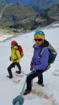 Ascensión al pico Aneto con guía de montañen en verano en invierno